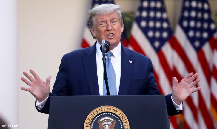 Donald Trump a szerdai sajtótájékoztatón a Fehér Ház Rózsakertben