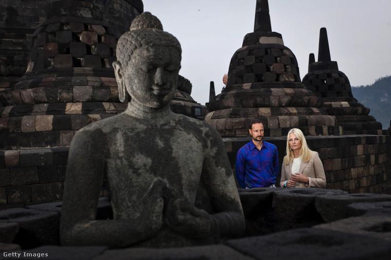Búcsúzzunk Haakon hercegtől ezzel az Indonéziában készült képpel, és azzal az ígérettel, hogy hamarosan egy másik európai ország trónörökösét ismerheti meg