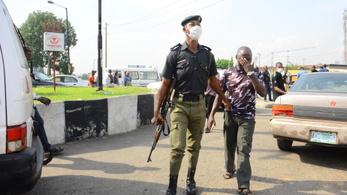 A rendőrök több embert öltek meg Nigériában a járvány miatt, mint maga a járvány