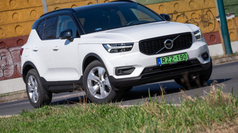 Teszt: Volvo XC40 T5 Twin Engine R-Design – 2020.