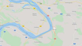 Felborult egy menekülteket szállító csónak a szerb-román határon
