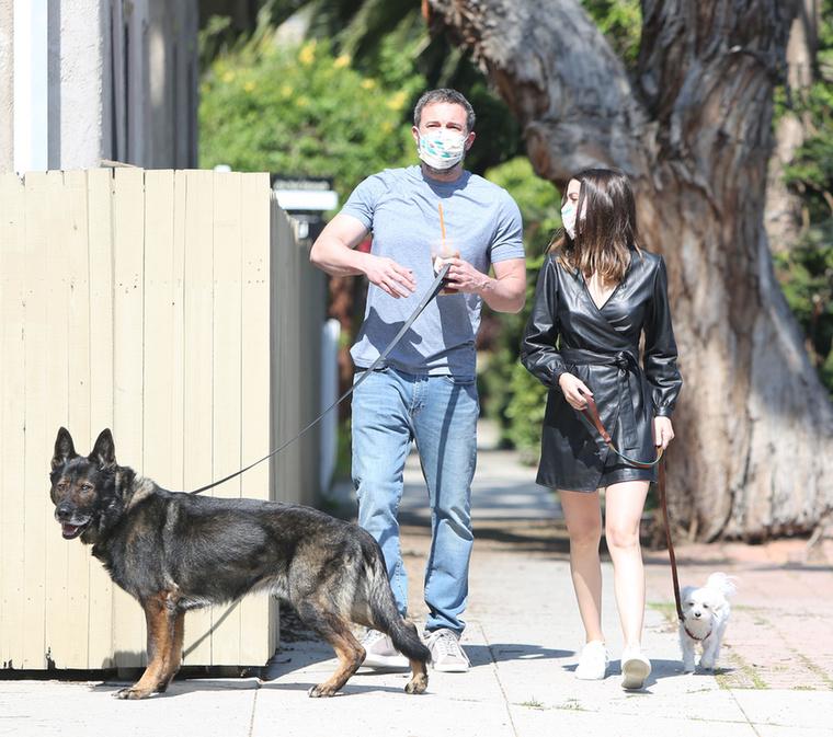 Még 2 hónapja sincs annak, hogy kiderült, Ben Affleck és Ana de Armas összejöttek legutóbbi közös filmjük forgatása alatt