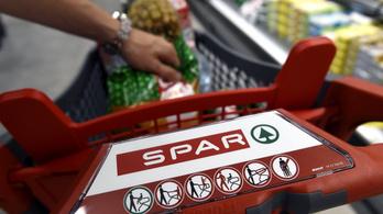A különadó miatt elbocsátja a járvány idején fölvett dolgozókat a Spar