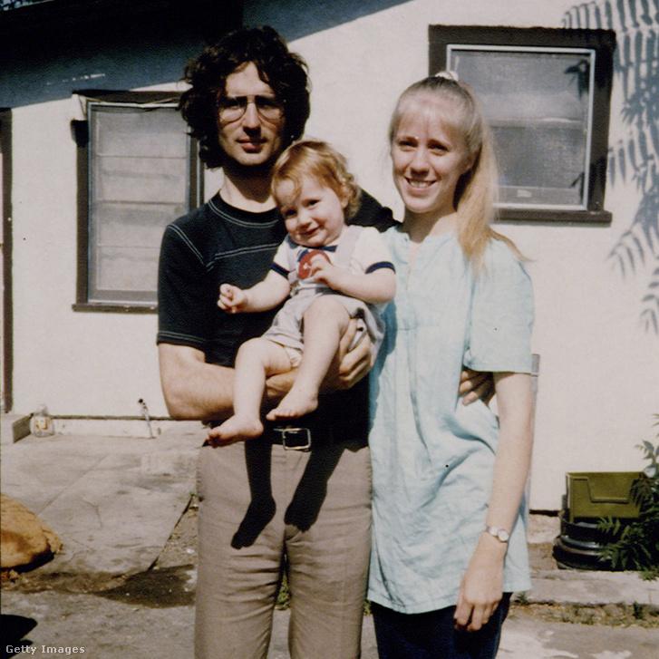 David Koresh feleségével és gyermekével 1986-ban