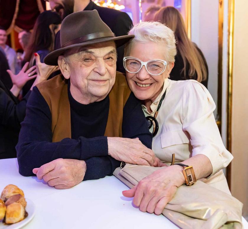 Bodrogi Gyula és Vass Angéla 2019 novemberében a János vitéz című darab premierjén a Budapesti Operettszínházban