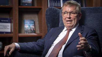 Matolcsy: Nagy lehetőségek kapujában állunk, Parragh pedig fakenews-terjesztő