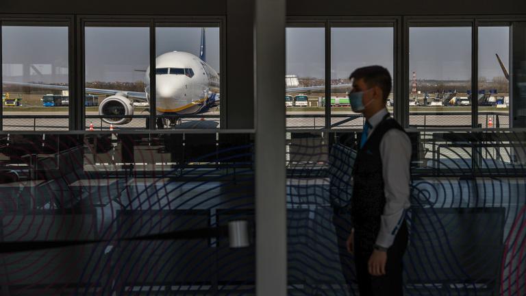 Megdöbbentő a kihalt Ferihegyi repülőtér