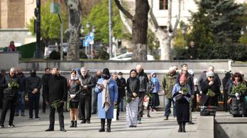 A grúz ortodox egyházak rengeteg embert várnak a húsvéti szertartásokra