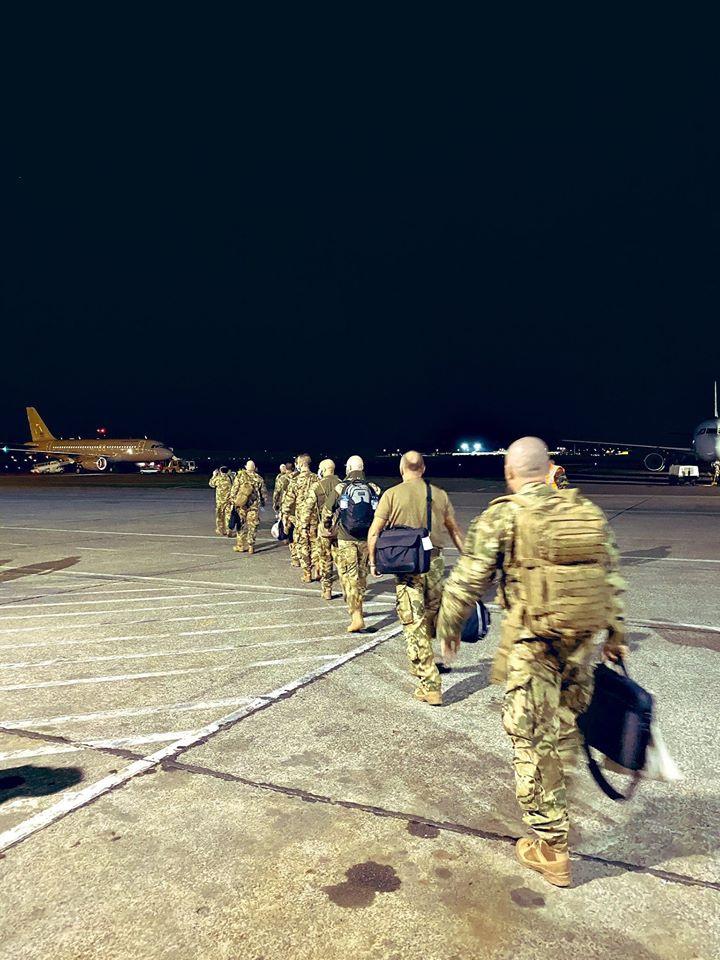 Magyar katonák érkeznek a brüsszeli katonai repülőtérre Maliból.