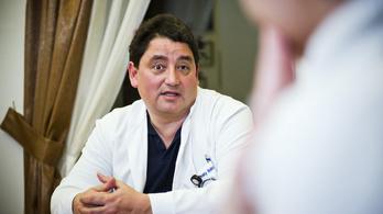 Merkely: Van esély arra, hogy novemberre elkészül a védőoltás