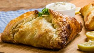 Klassz recept 3 összetevőből: tésztabatyuk csirkével és vörös pestóval