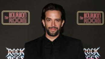 Amputálni kell a színész Nick Cordero egyik lábát