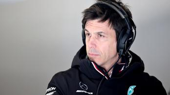 Bevásárolta magát az Aston Martinba a Mercedes F1-es csapatának főnöke
