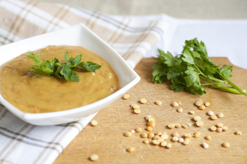 A tökéletes sárgaborsó-főzelék receptje: így a rántást sem rontod el