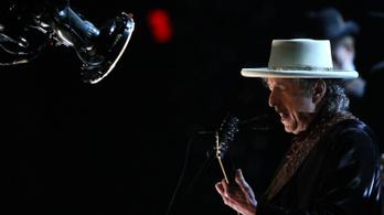 Több mint 700 millió forintért árulják Bob Dylan egyik dalszövegének kéziratát