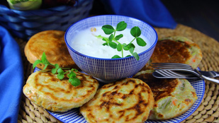 Zöldséges töltött krumplis pogácsa glutén-, tej-, tojás- és húsmentes recept