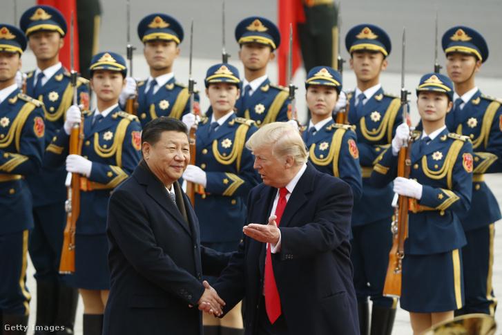 Amikor még Donald Trump és Hszi Csin-ping viszonya jó volt, 2017. november 9-én tett látogatást Trump Pekingben