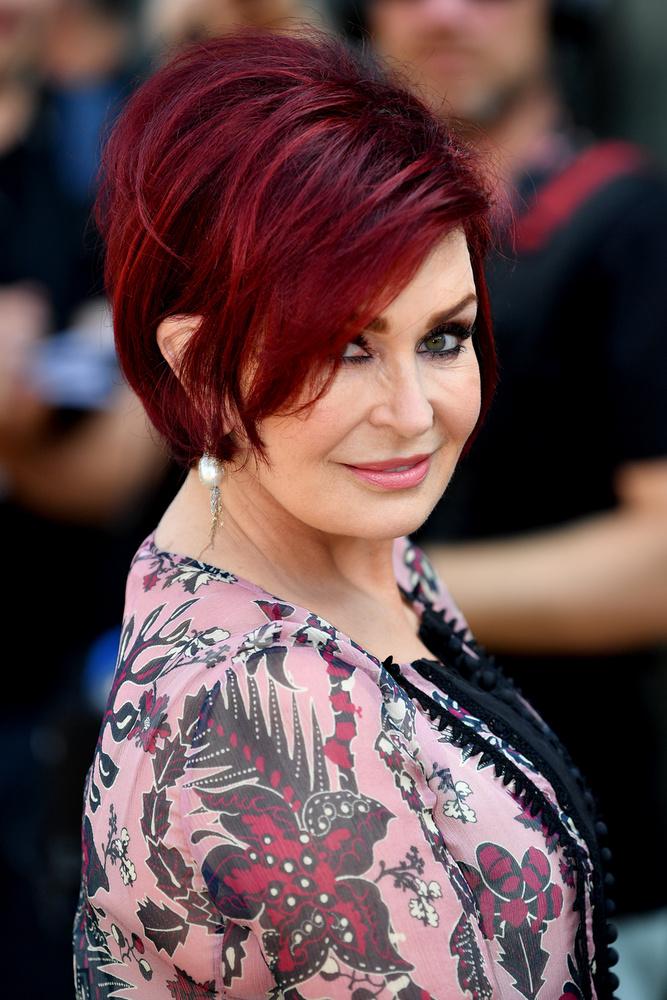 Sharon OsbourneOzzy Osbourne felesége szintén 2011-ben intett búcsút a szilikonnak