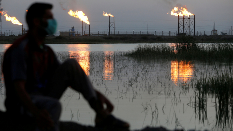 Hogyan zuhanhatott negatívba az olaj ára?