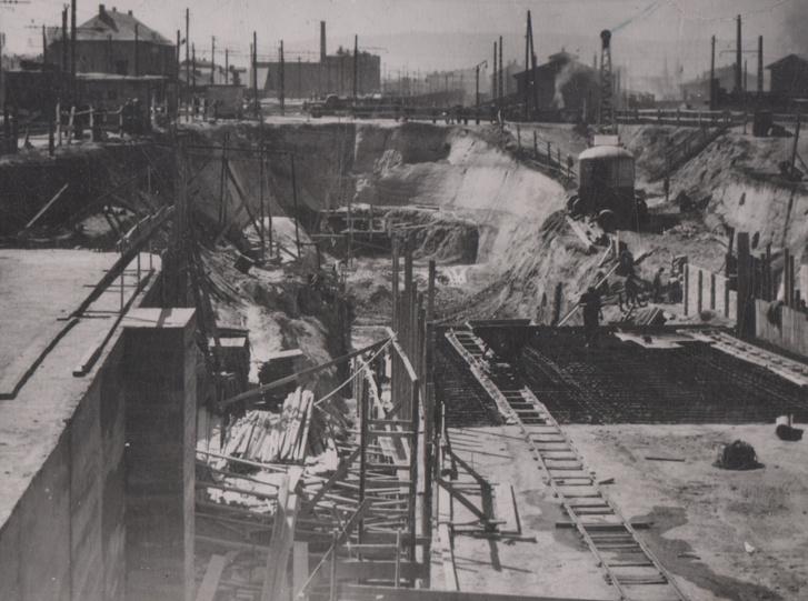 A Népstadionnál nyitott munkagödörben végezték az építési munkálatokat