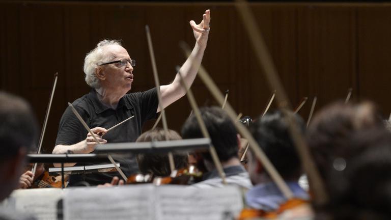 Kossuth-díjas karmester: A közalkalmazott-törvény mindent tönkretesz