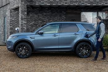 Vadiúj Land Roverek két liter alatti fogyasztással