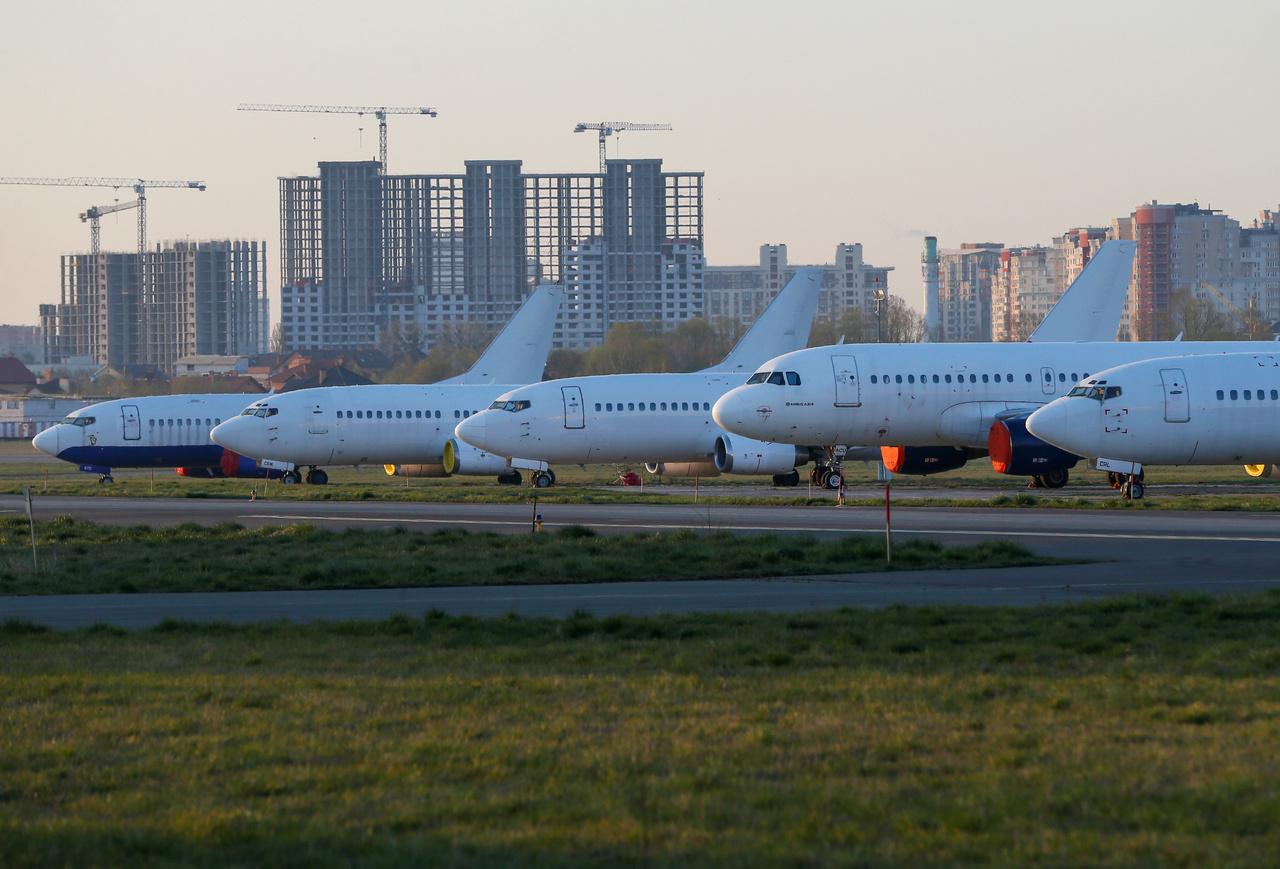 A kijvei nemzetközi repülőtér gépei 2020. április 8-án