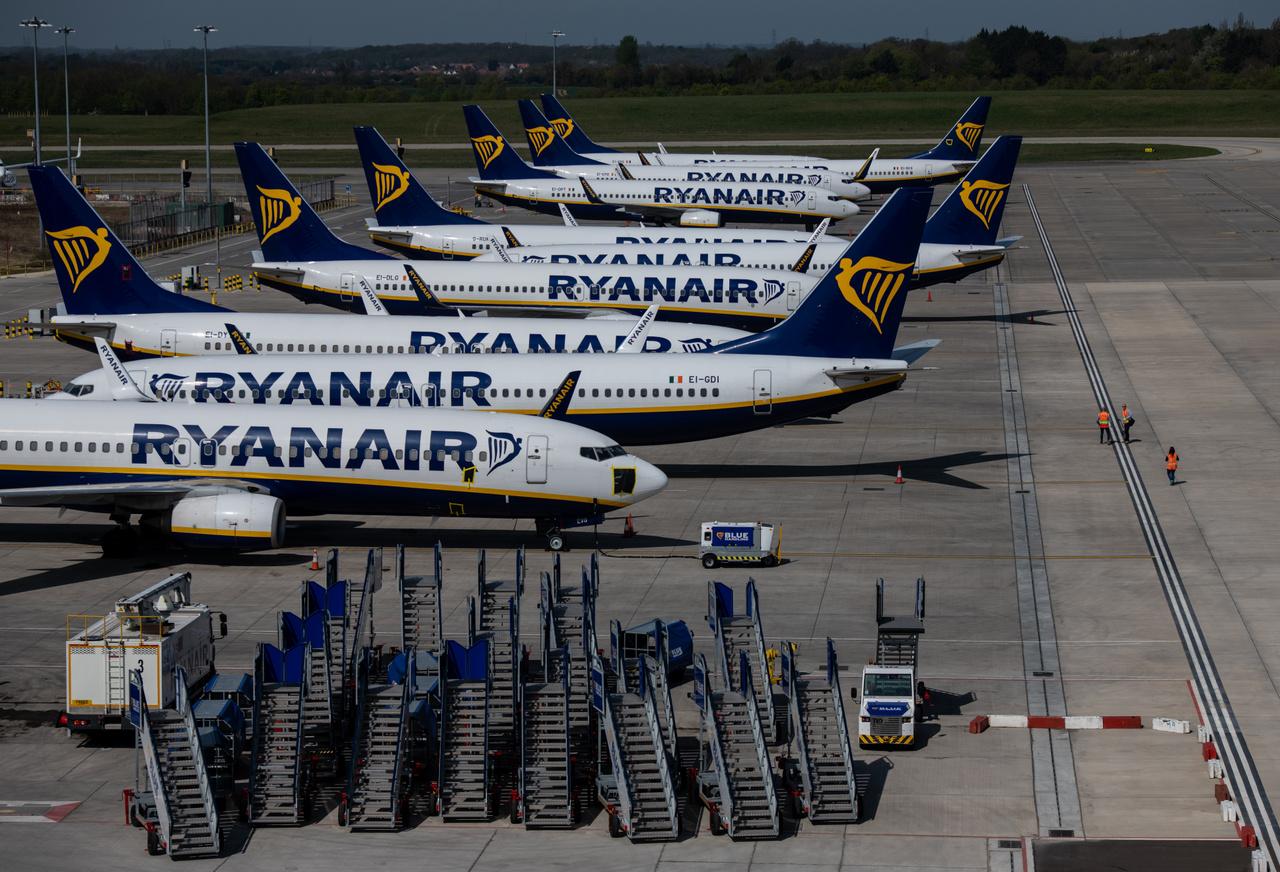 Ryanair utasszállítók a stantstedi repülőtéren 2020. április 15-én