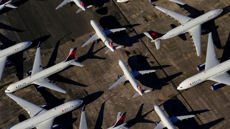 A repülőket földön tartani se sokkal könnyebb, mint repülni velük