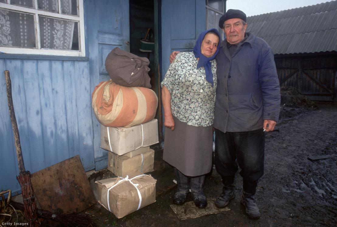 Öt évvel a csernobili katasztrófa után otthonukat elhagyó, a sugárzás miatt evakuált lakosok az atomerőmű közelében fekvő Kristinovkában