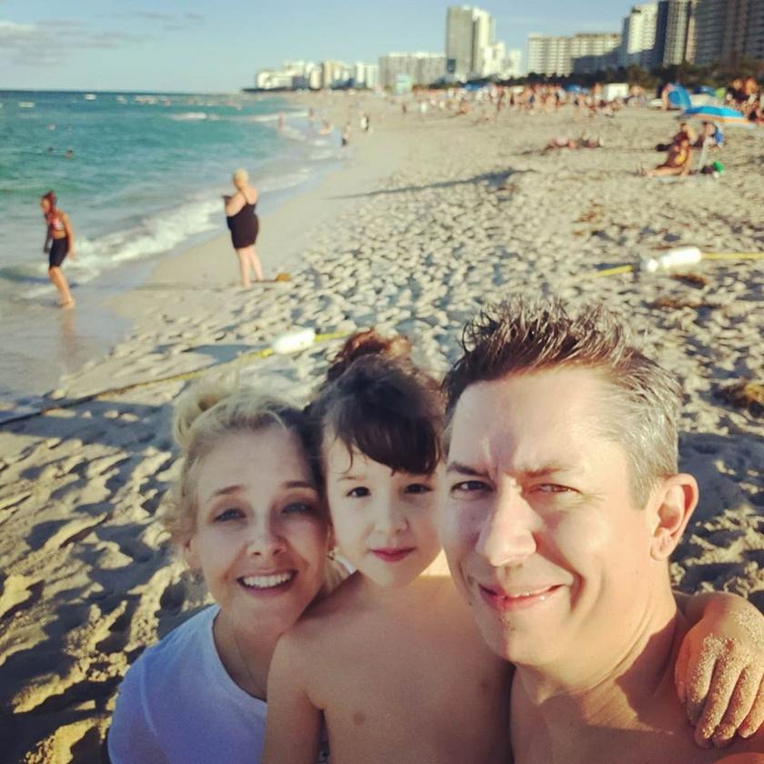 Peller Anna, Mikike és Annabella Miami tengerpartján idén januárban.