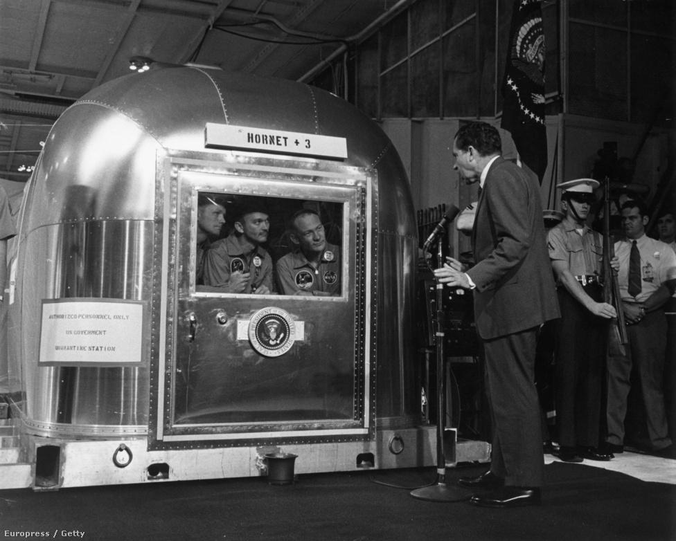 A küldetés után Armstrong, Collins és Aldrin három hétre karanténba kerültek.
