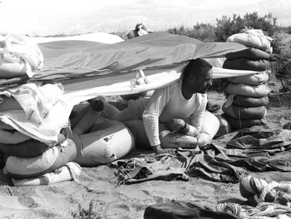 Háromnapos kiképzés a nevadai sivatagban, 1963 augusztusában. Az űrhajósoknak kemény tréningeken kellett részt venniük.