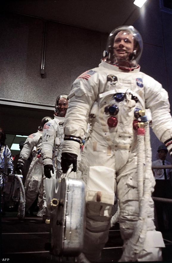 Úton az Apollo-11 és a Hold meghódítása felé.