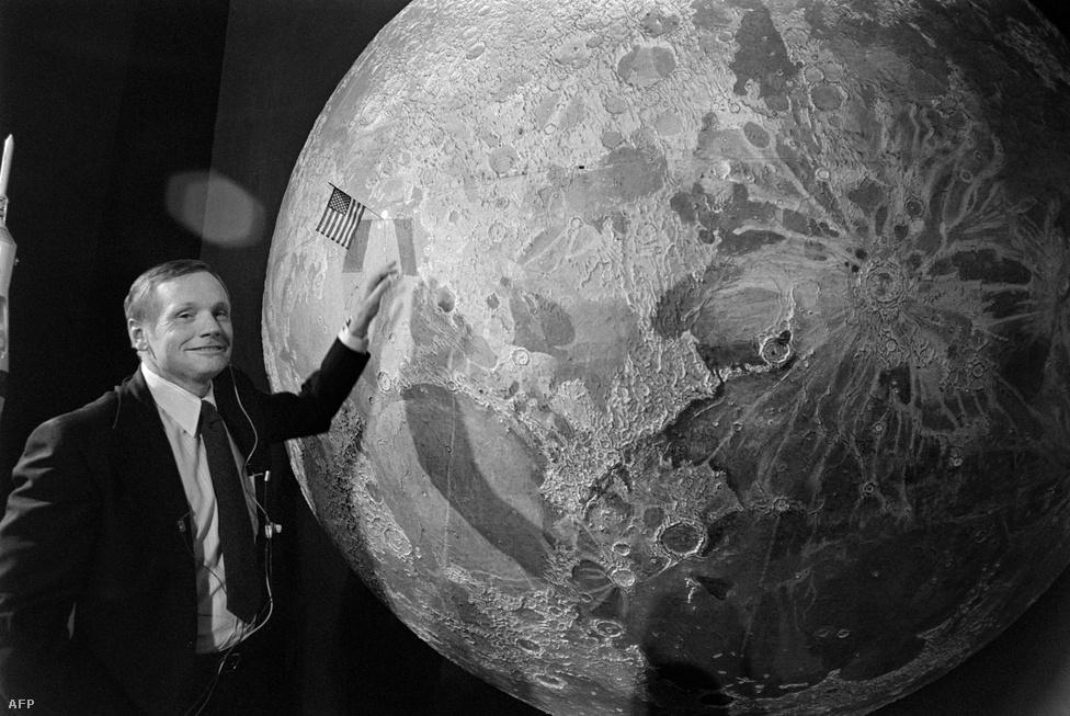 Armstrong Párizsban, 1979 július 10-én.
