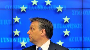 Portfolio: Valójában a gyengülő forint miatt felértékelődő EU-pénzek segítségével élénkíthet a kormány