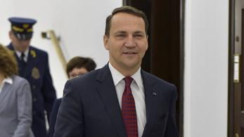 Lengyel néppárti képviselő: A magyar kormány politikai célokra használja a koronavírust
