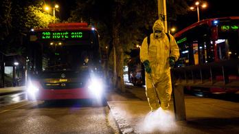 Nyár végén lehet a járvány csúcsa Szlovákiában