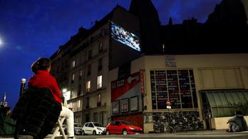 Vászon helyett lakóházak falára vetíti filmjeit egy párizsi mozi