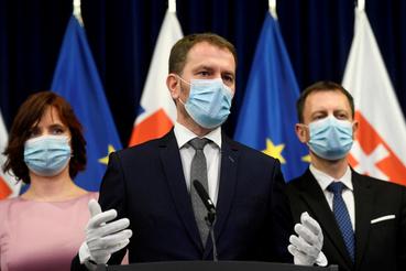 Igor Matovic szlovák miniszterelnök sajtótájékozatót tart Pozsonyban 2020. március 21-én