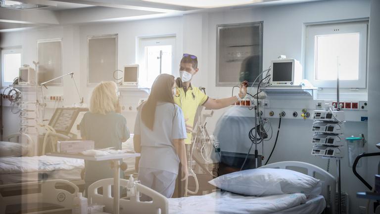 Újabb 11 áldozata van itthon a koronavírusnak