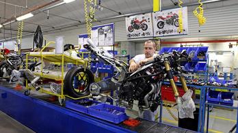 Újraindulnak a motorgyárak Európában