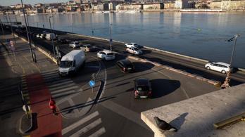 Karácsony 50-re csökkentené a sebességhatárt Budapesten