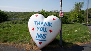 A kormány köt életbiztosítást az egészségügyi dolgozóknak Nagy-Britanniában