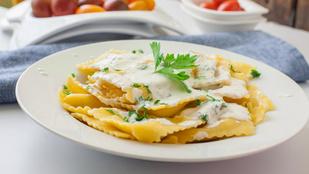 Pesto, ananászos turmix és ravioli: 5 menő recept csalánnal