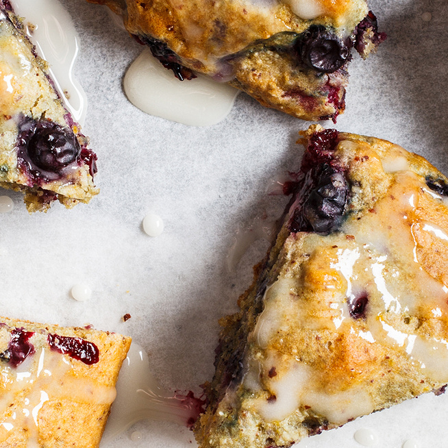 Gyors áfonyás scone - Így készül az angolok kedvenc sütije gyümölccsel gazdagítva