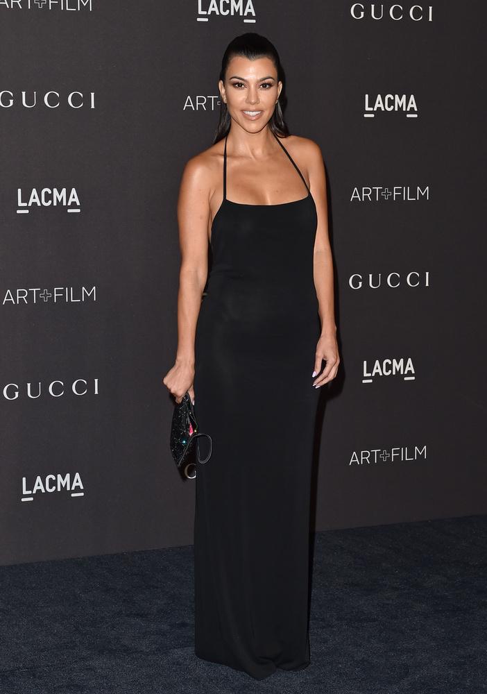 Kourteney Kardashian is felbuzdult Paltrow példáján, és életre hívta a Poosh.com-ot, ahol lakberendezési termékeket árul, nevetségesen drágán