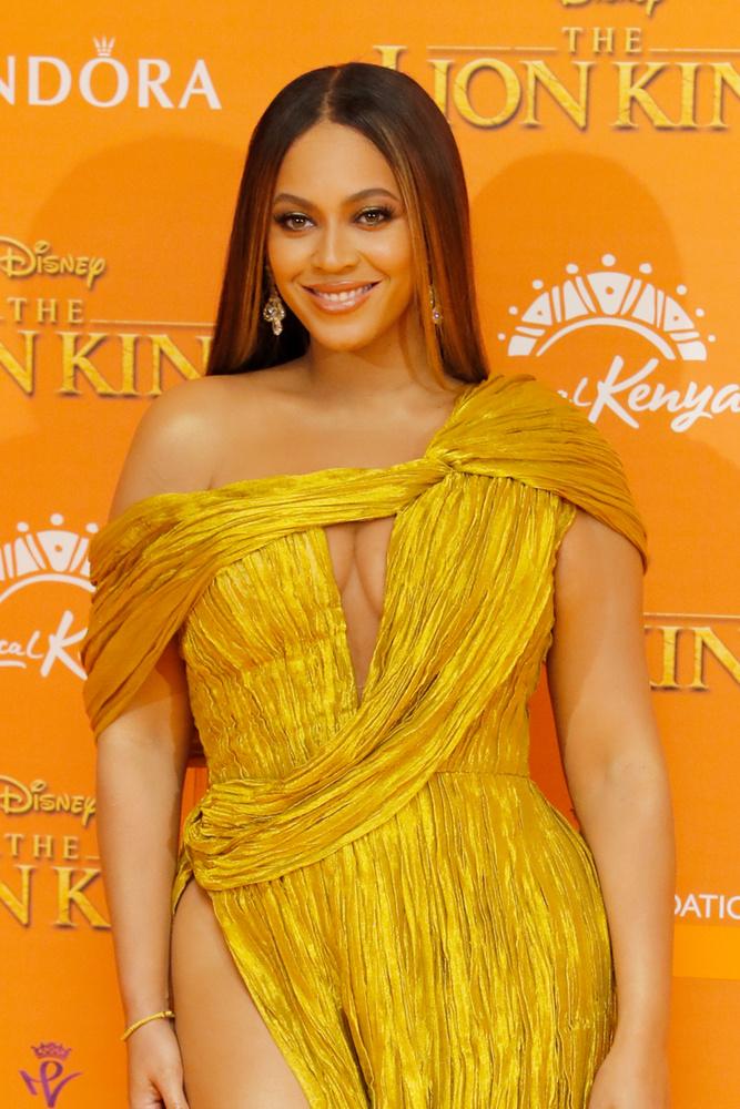 Persze, hogy Beyonce sem maradhatott ki a ruhagyártásból, akinek férje sem panaszkodhat, hogy rossz vénája van az üzleteléshez