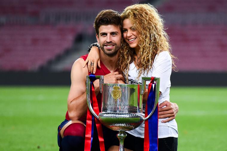Shakira és Gerard PiquéAz örökifjú énekesnő és a Barcelona labdarúgója között kilenc év van