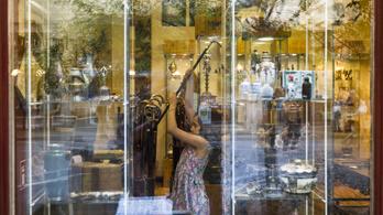 Kirakatokban nyílik karantén-kiállítás Budapesten